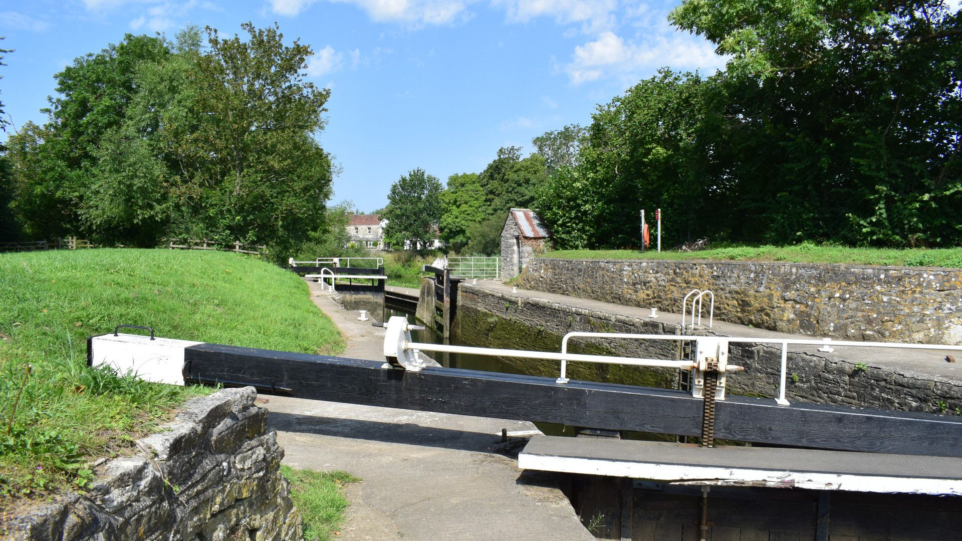 The lock on the River Avon, Dovecote at Avon Farm, Bolthole Retreats