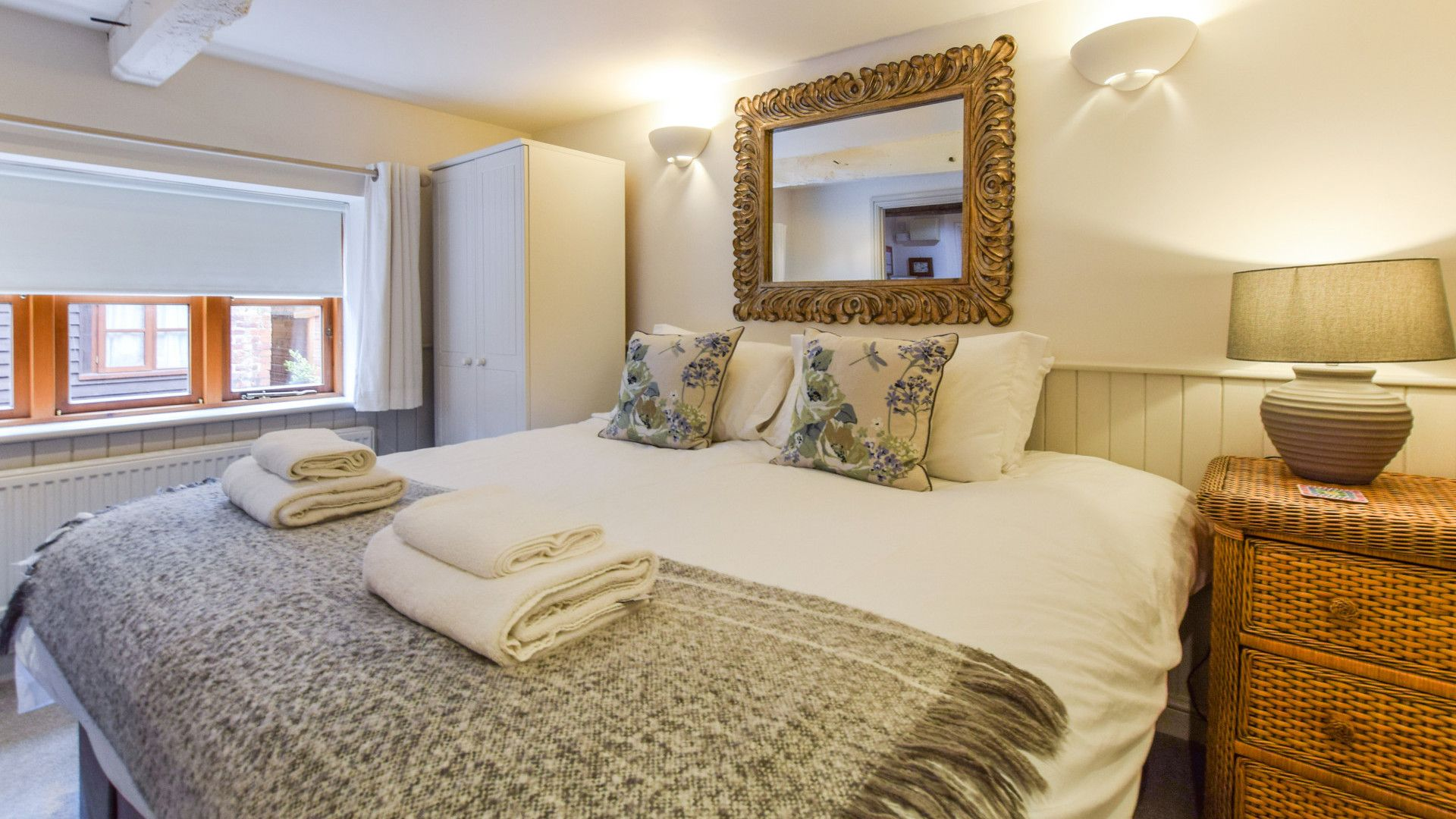 Bedroom 1, Drying House, Bolthole Retreats