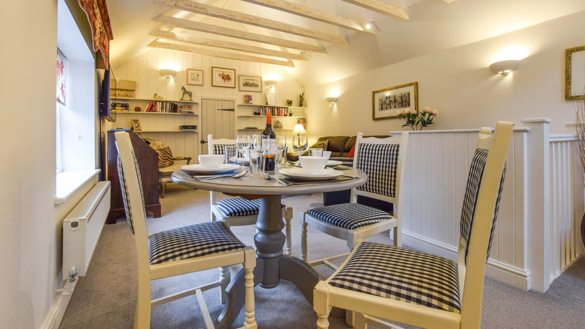 Dining area, Drying House, Bolthole Retreats