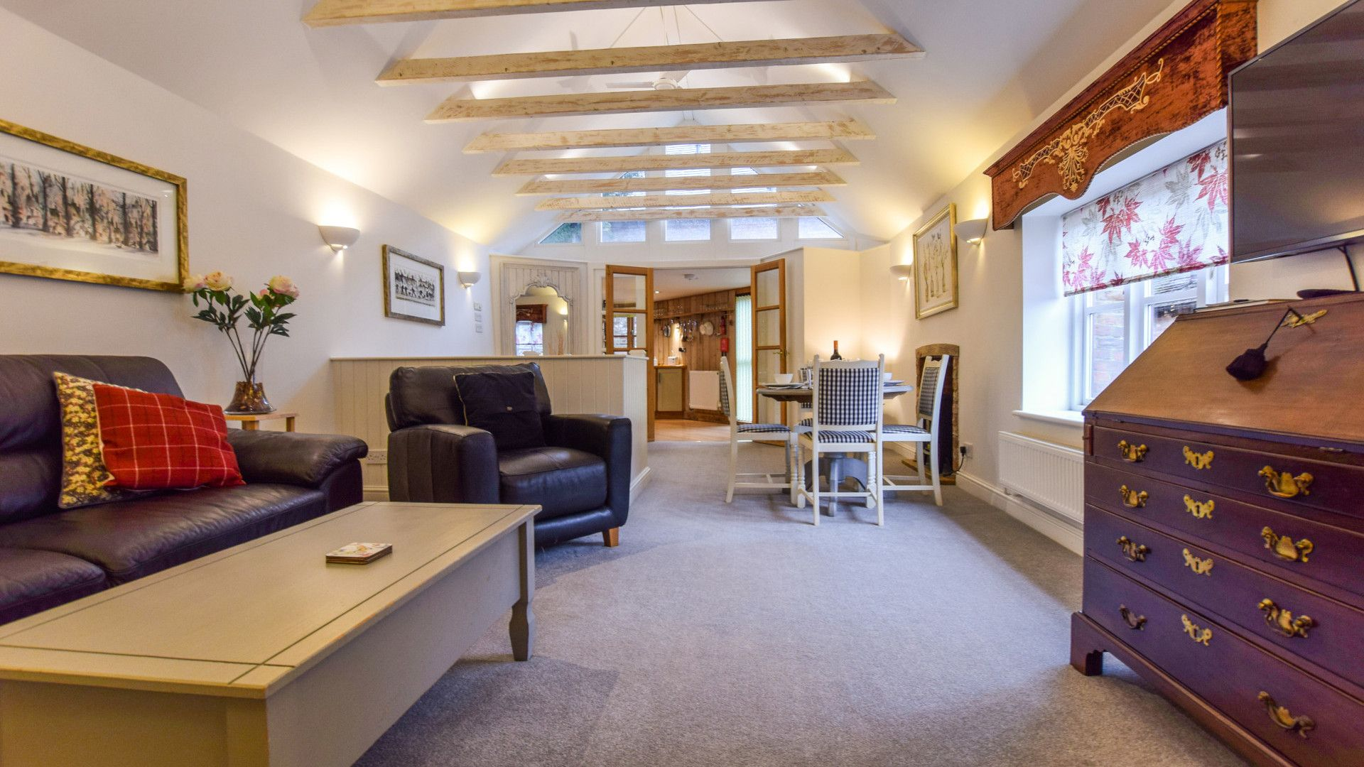 Living,dining area, Drying House, Bolthole Retreats