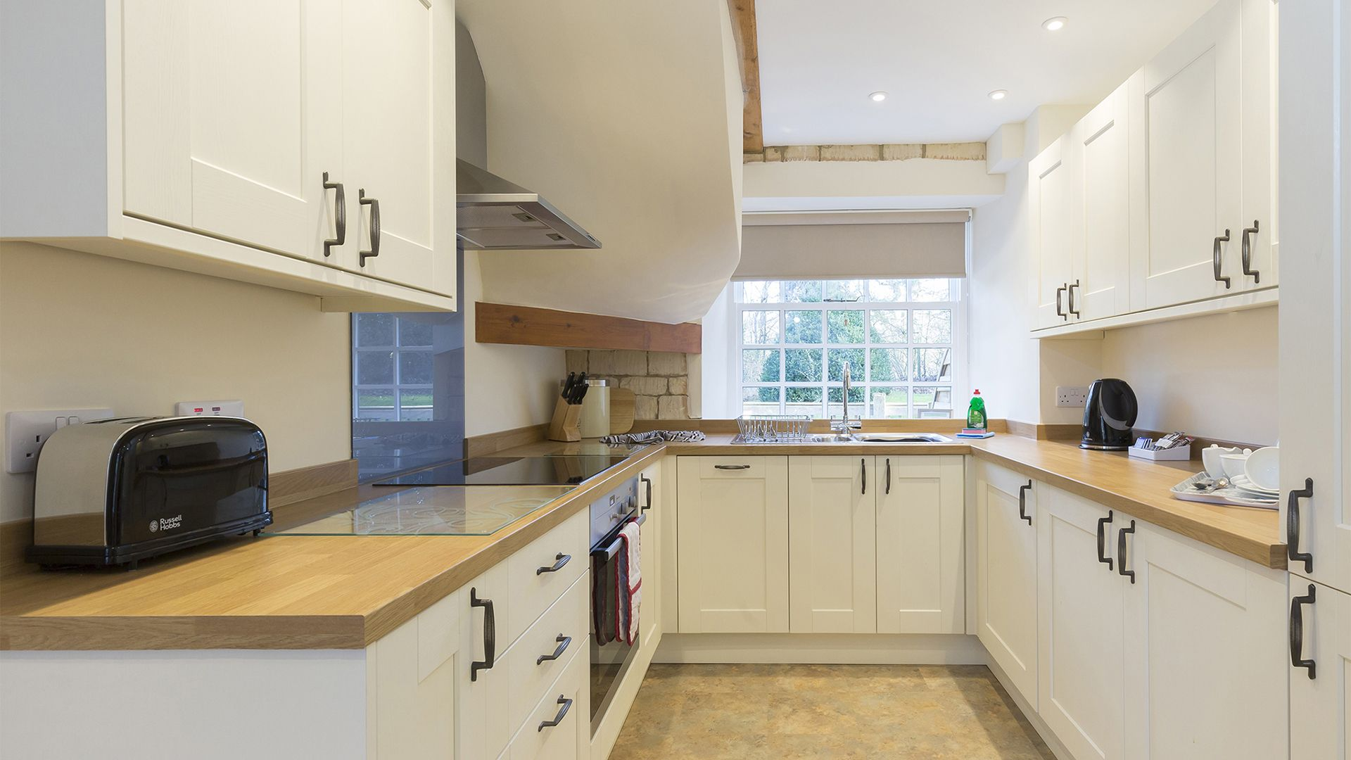 Kitchen, Charles I at Sudeley Castle, Bolthole Retreats