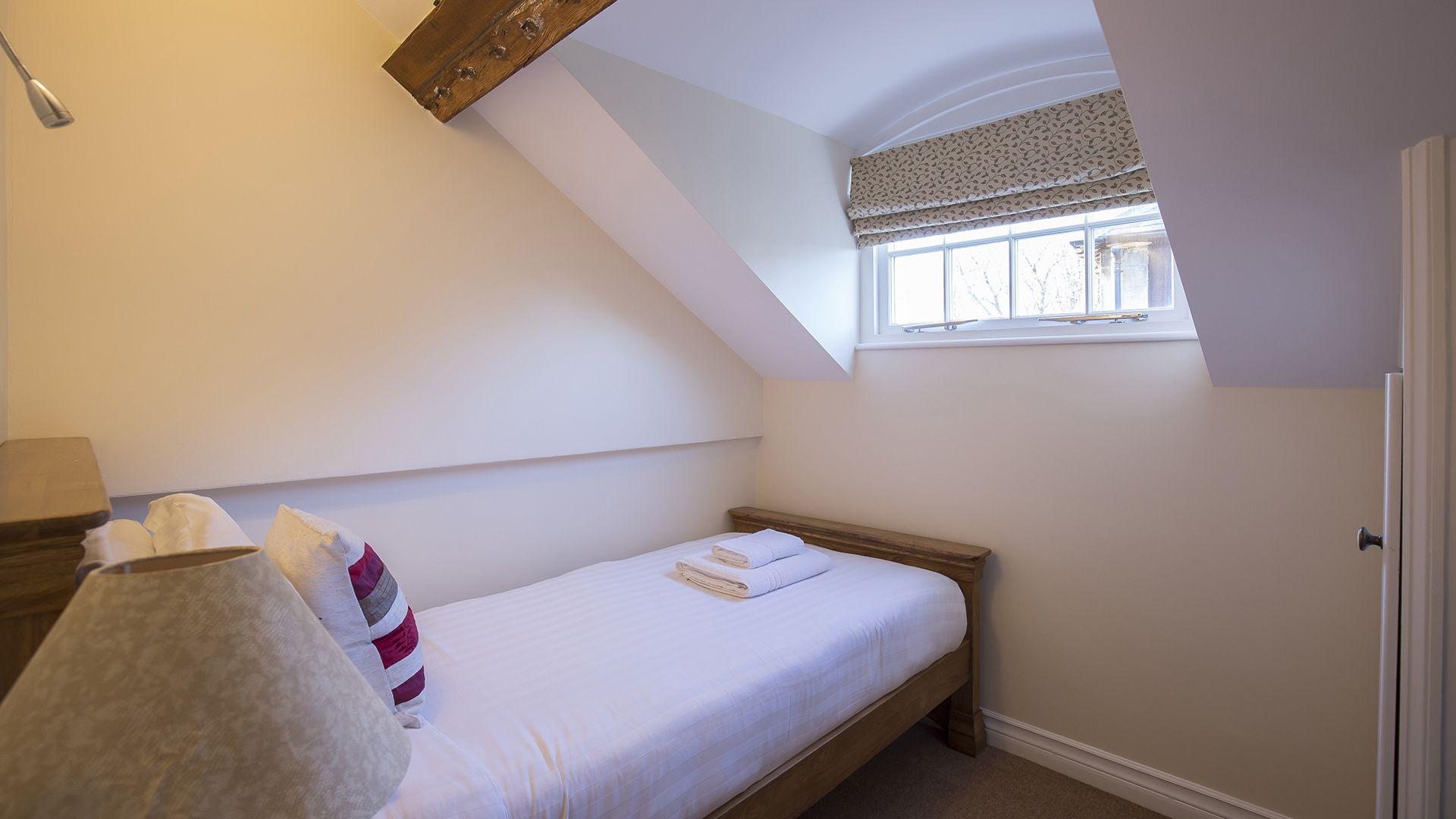 Bedroom 2, Charles I at Sudeley Castle, Bolthole Retreats