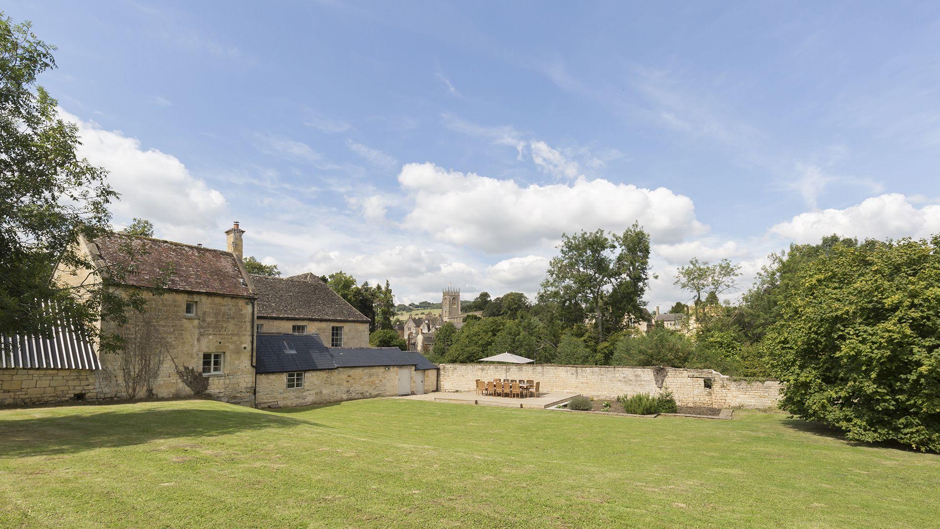 Almsbury Farmhouse at Sudeley Castle, Bolthole Retreats