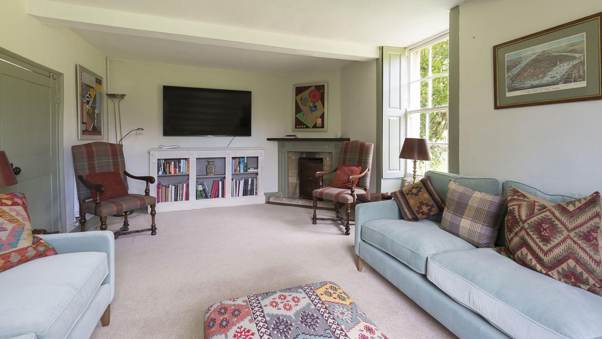Living room, Almsbury Farmhouse at Sudeley Castle, Bolthole Retreats