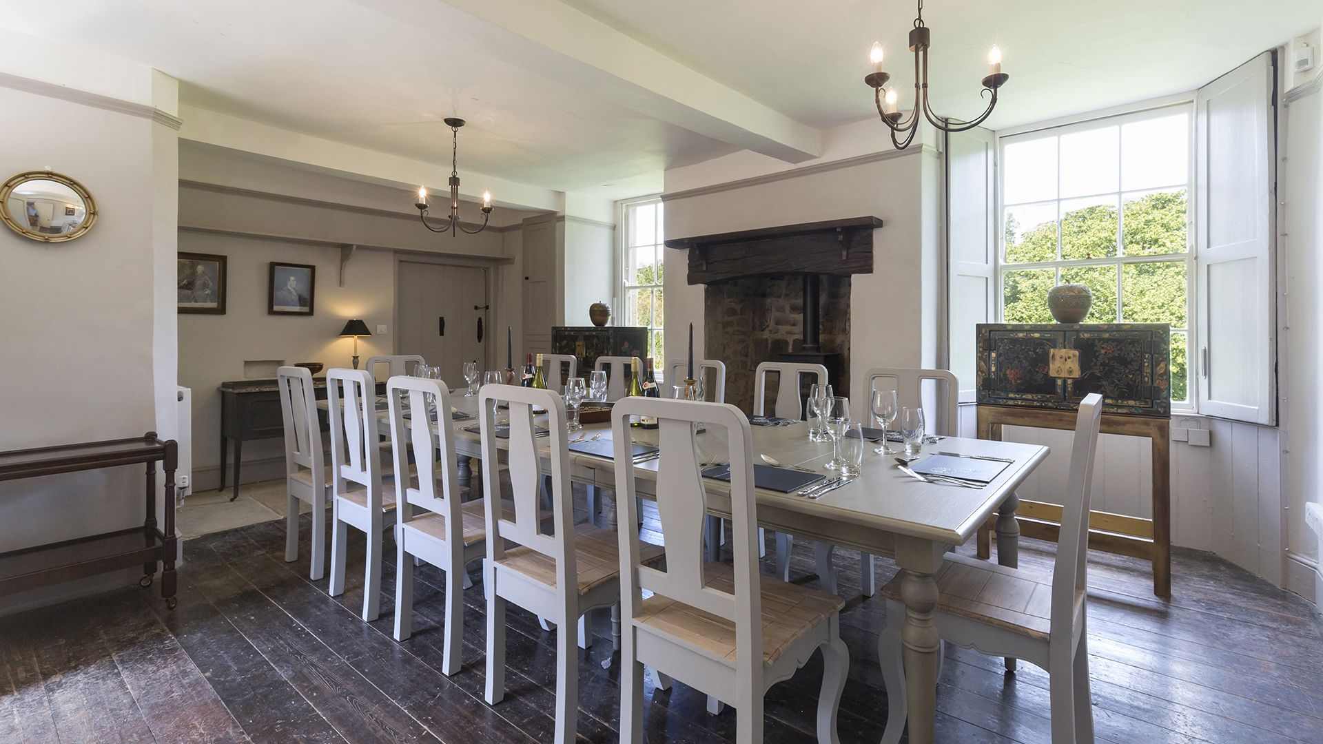 Dining room, Almsbury Farmhouse at Sudeley Castle, Bolthole Retreats
