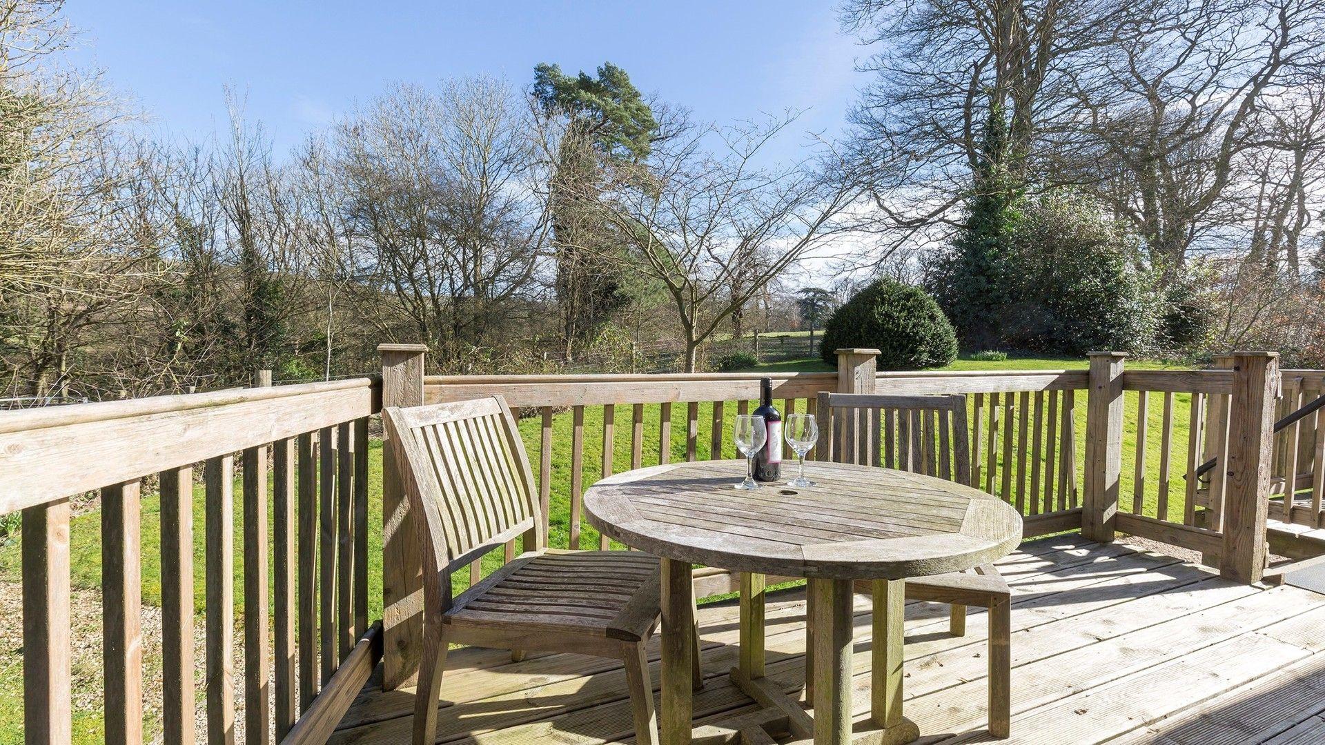 The shared decking area, George III, Bolthole Retreats