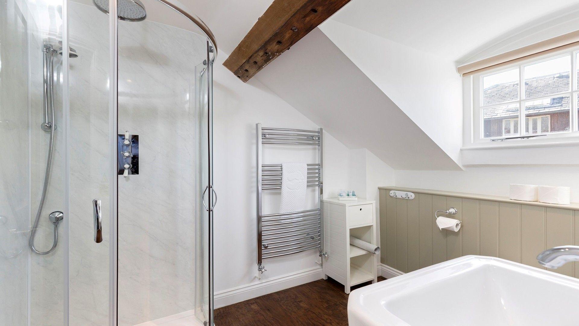 Shower room, George III, Bolthole Retreats
