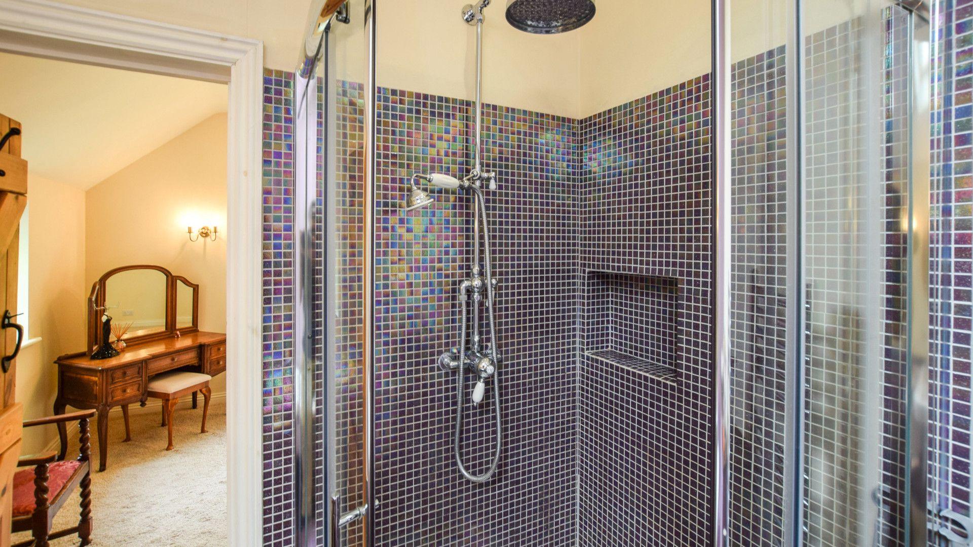 Bedroom 1 en-suite walk in shower, Gladstone Cottage, Bolthole Retreats