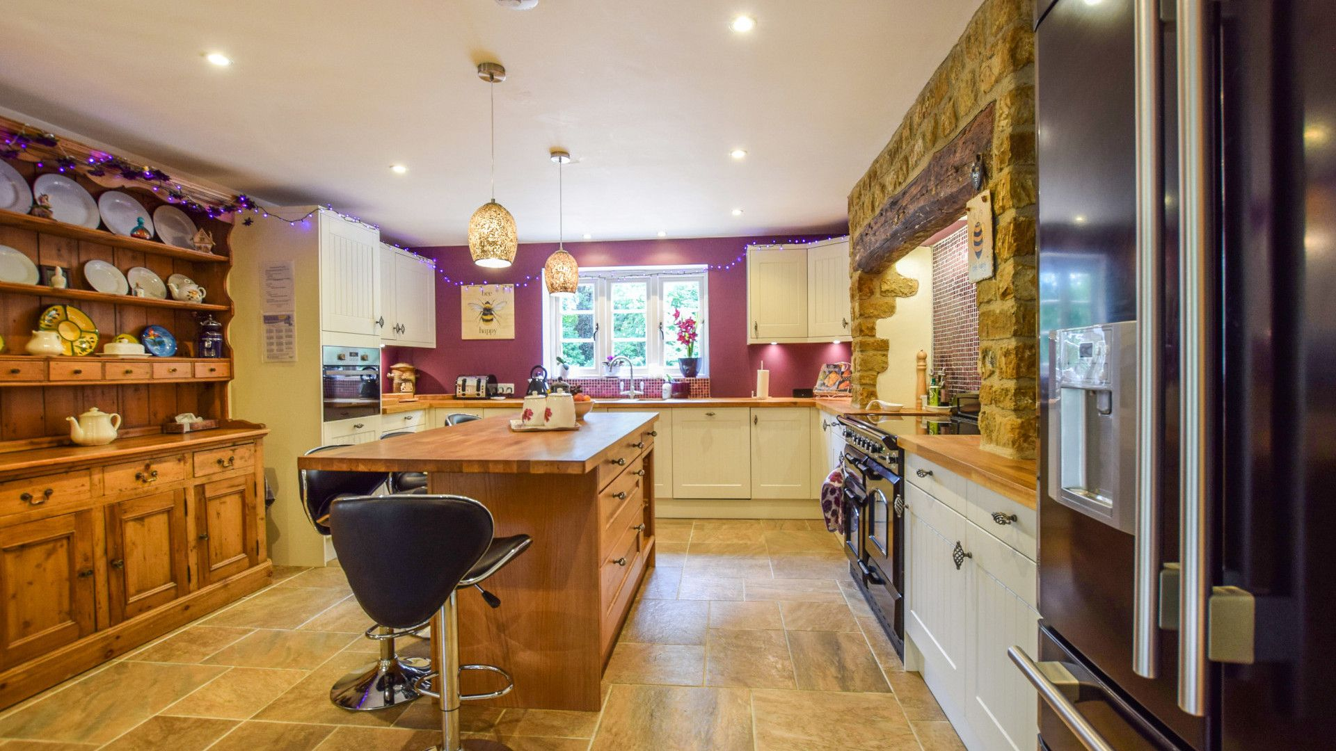 Kitchen with central island, Gladstone Cottage, Bolthole Retreats