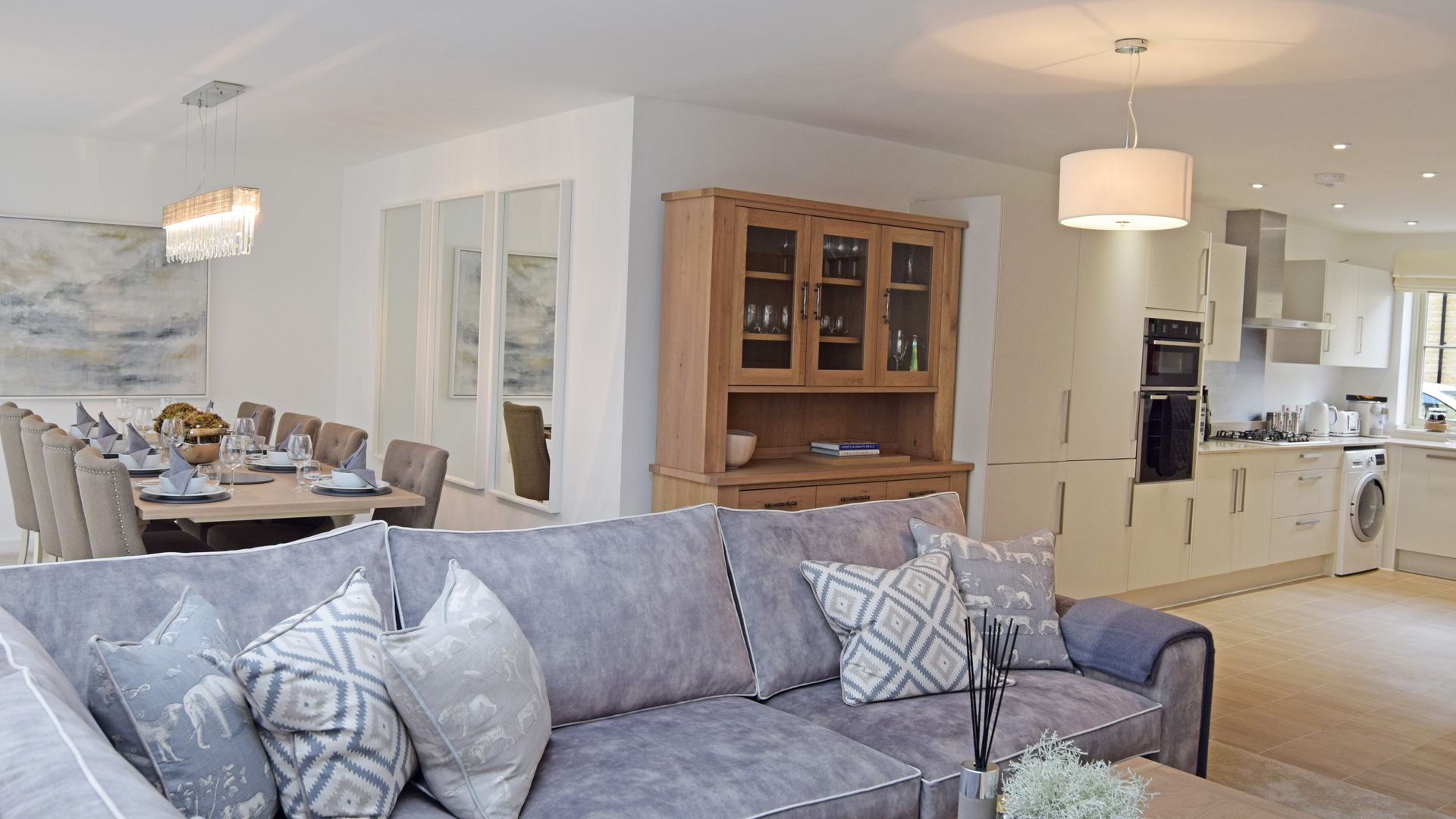 Open plan living/dining area and kitchen, Hawthorn Cottage, Bolthole Retreats