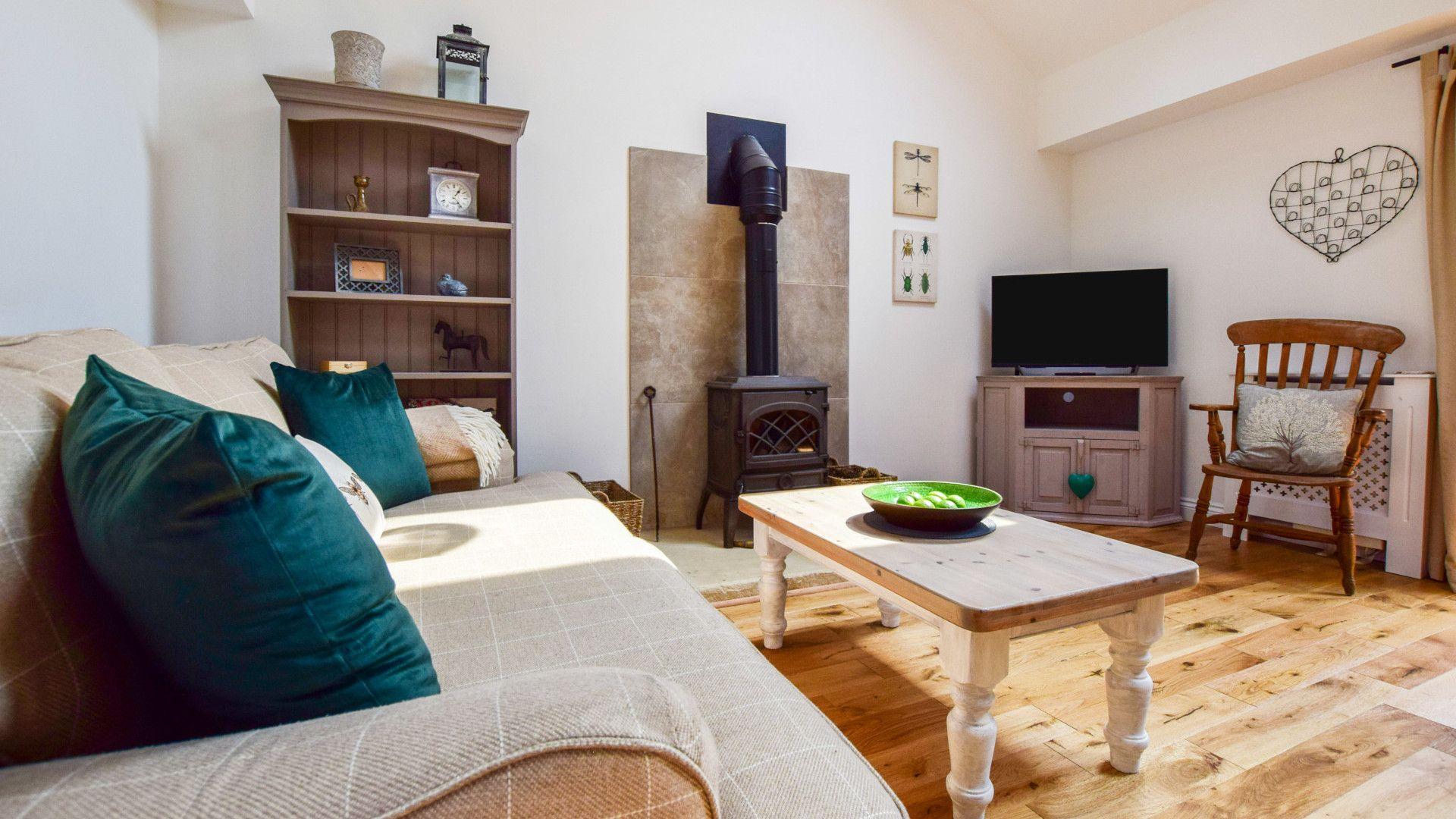 Living room, Hayloft at Walnut Farm, Bolthole Retreats