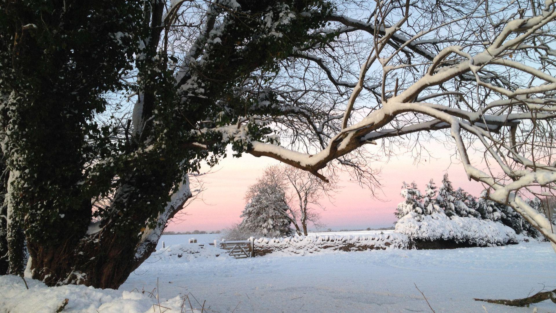 A snowy scene, Hayloft at Walnut Farm, Bolthole Retreats