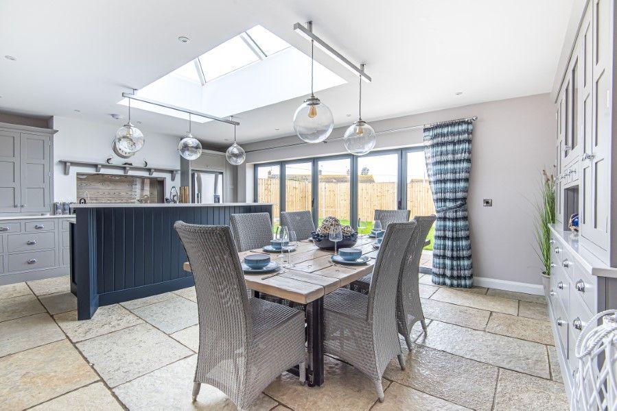 Olive's Cottage | Kitchen/dining