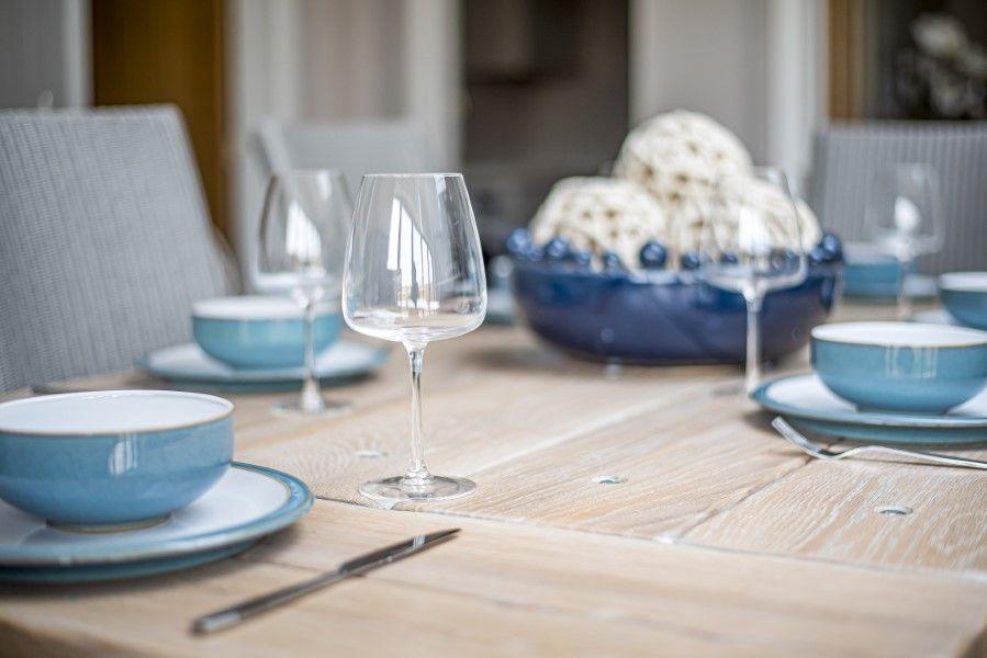 Olive's Cottage | Table