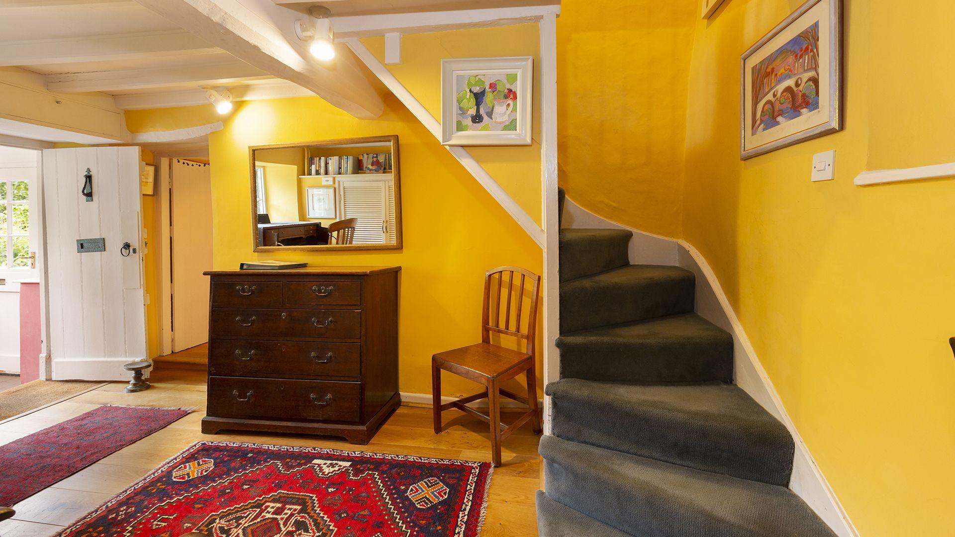 Entrance Hall, Hillside Cottage, Bolthole Retreats