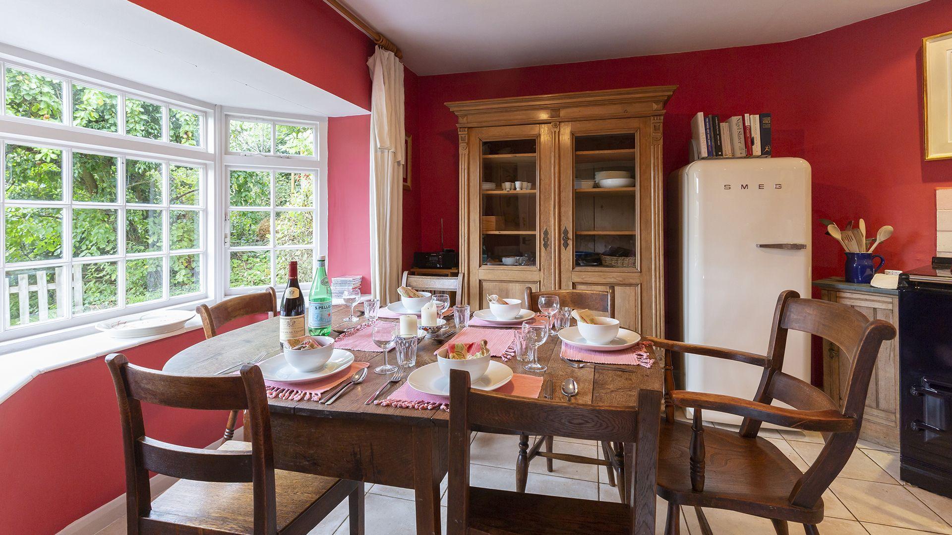 Kitchen, dining area, Hillside Cottage, Bolthole Retreats