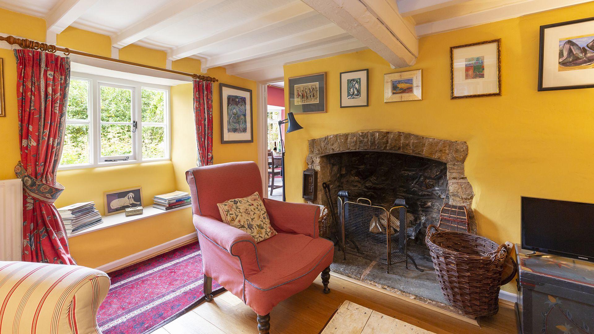 Living room, Hillside Cottage, Bolthole Retreats
