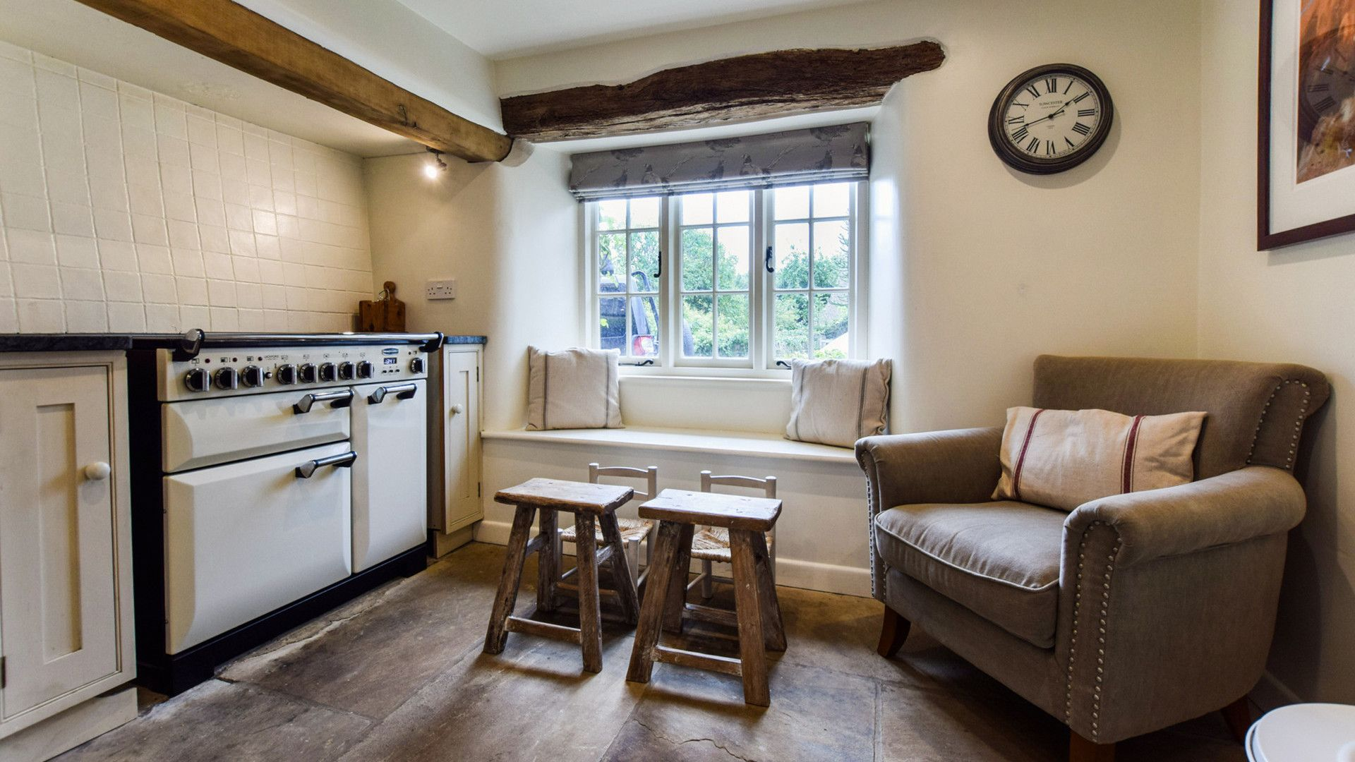 Kitchen with small children's tables, Holly Cottage, Bolthole Retreats