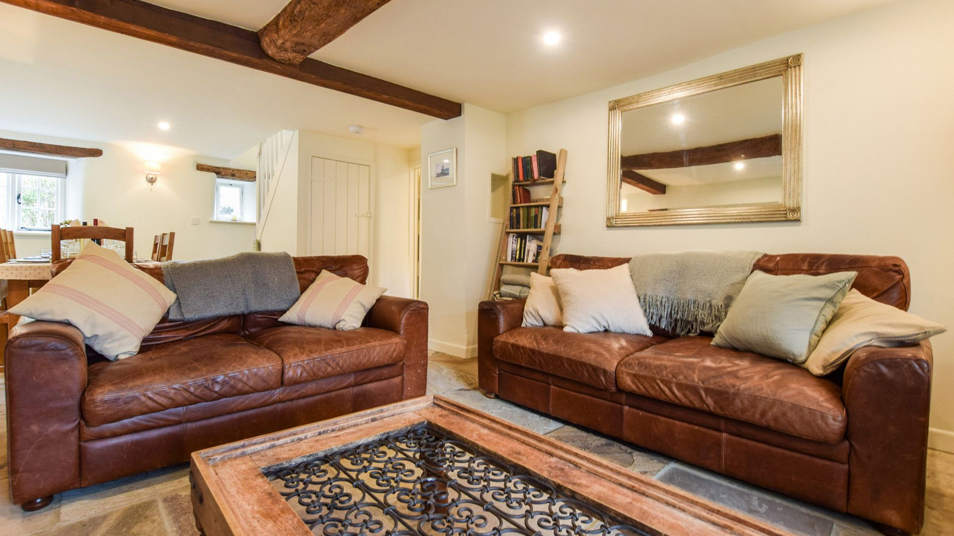 Living room, Holly Cottage, Bolthole Retreats