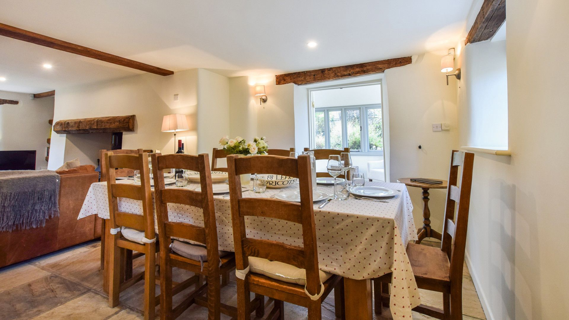 Dining area, Holly Cottage, Bolthole Retreats