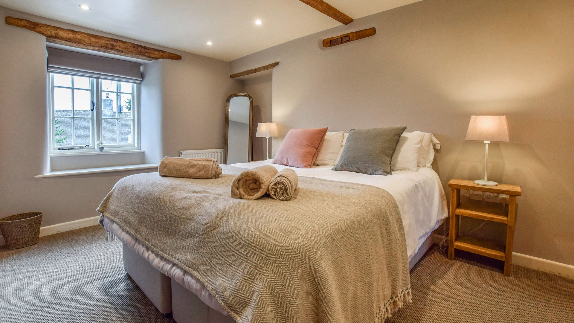 Bedroom 2, Holly Cottage, Bolthole Retreats