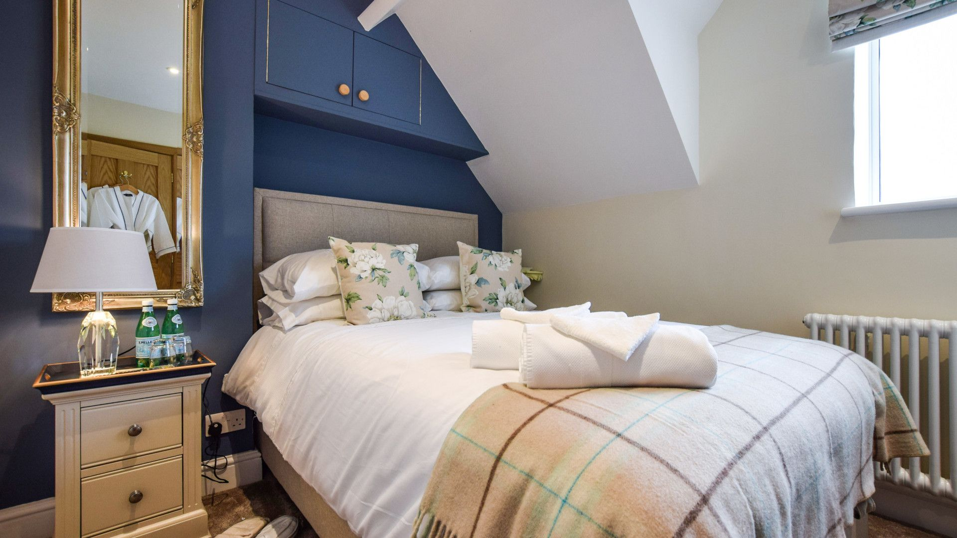 Bedroom 2,  Hyde Tyning Cottage, Bolthole Retreats