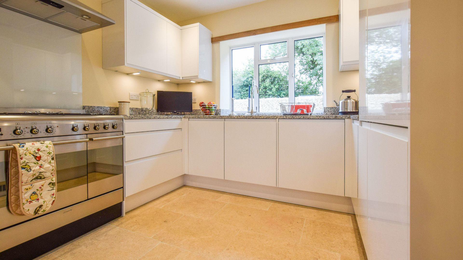Kitchen,  Hyde Tyning Cottage, Bolthole Retreats