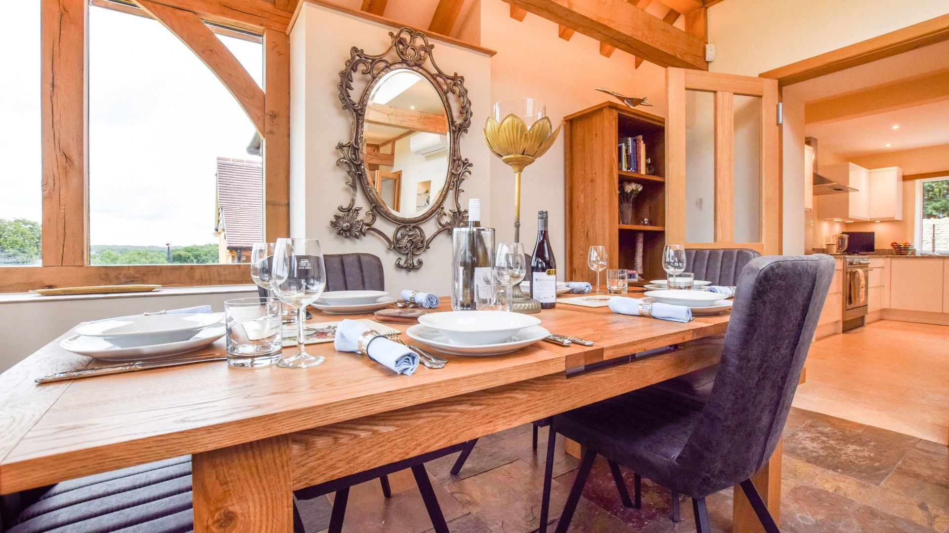 Dining area in conservatory, Hyde Tyning Cottage, Bolthole Retreats
