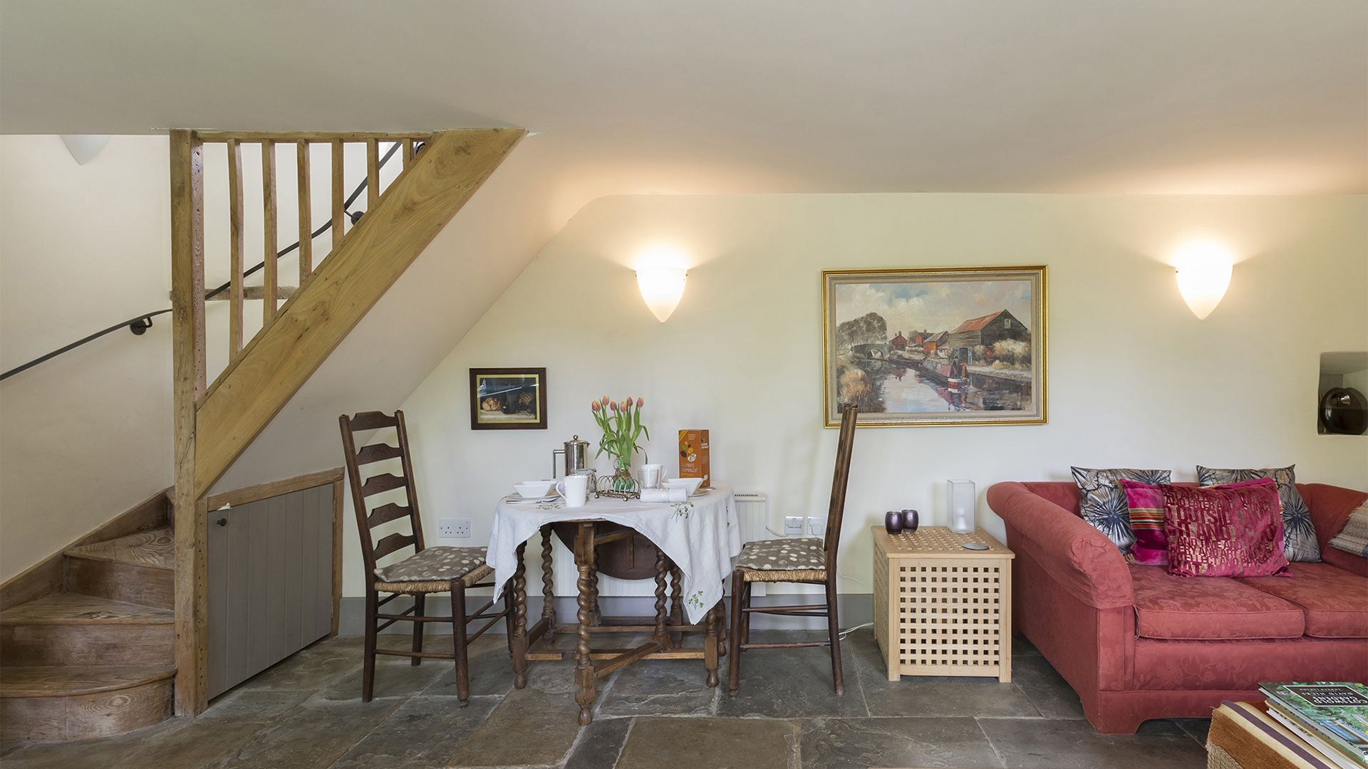 Living area, Five Bells Garden Cottage, Bolthole Retreats