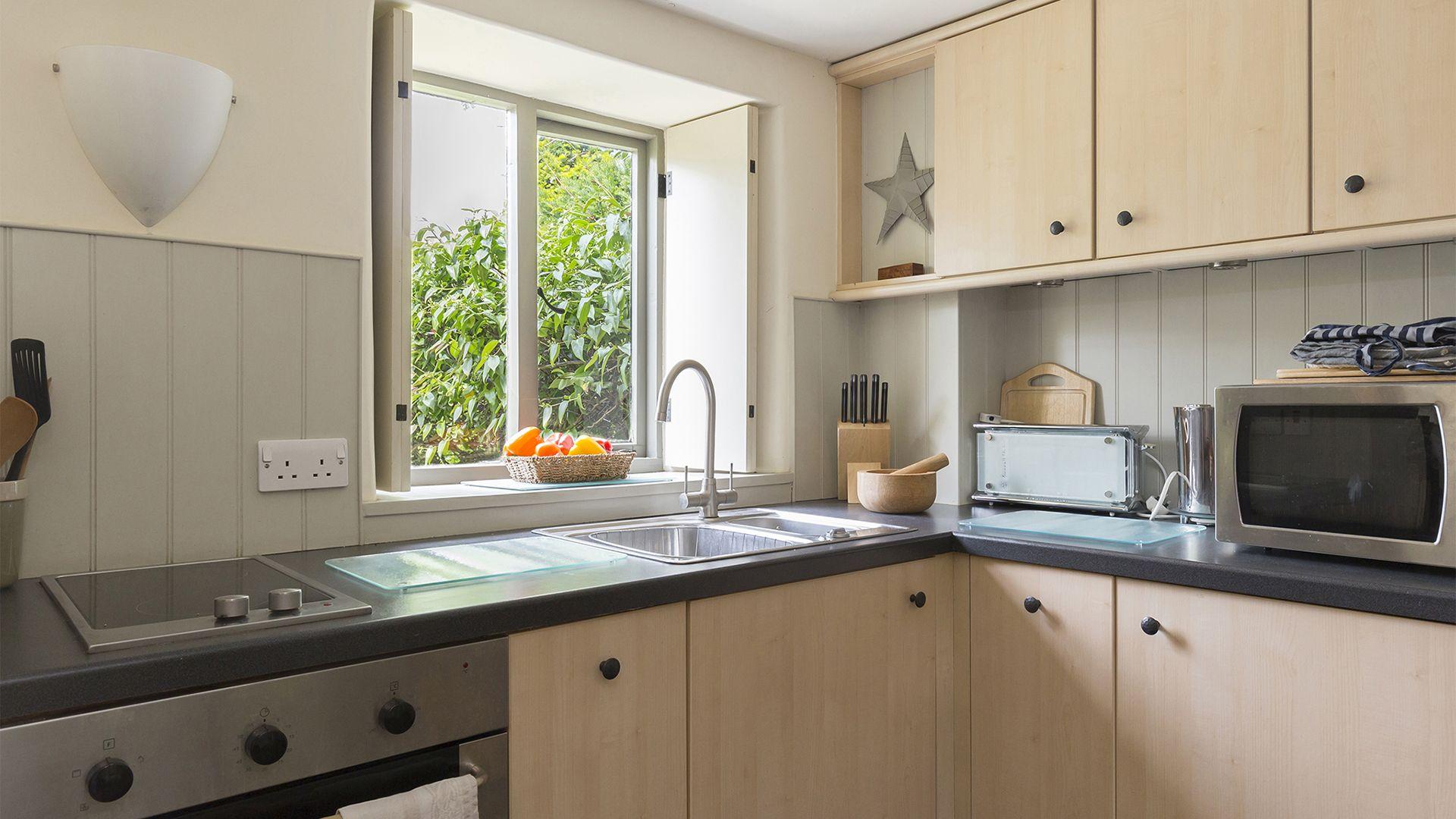 Kitchen, Five Bells Garden Cottage, Bolthole Retreats
