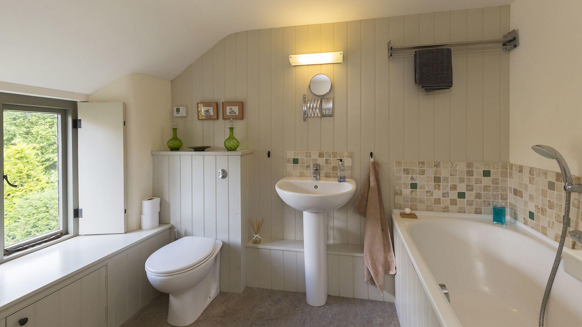 Bathroom, Five Bells Garden Cottage, Bolthole Retreats