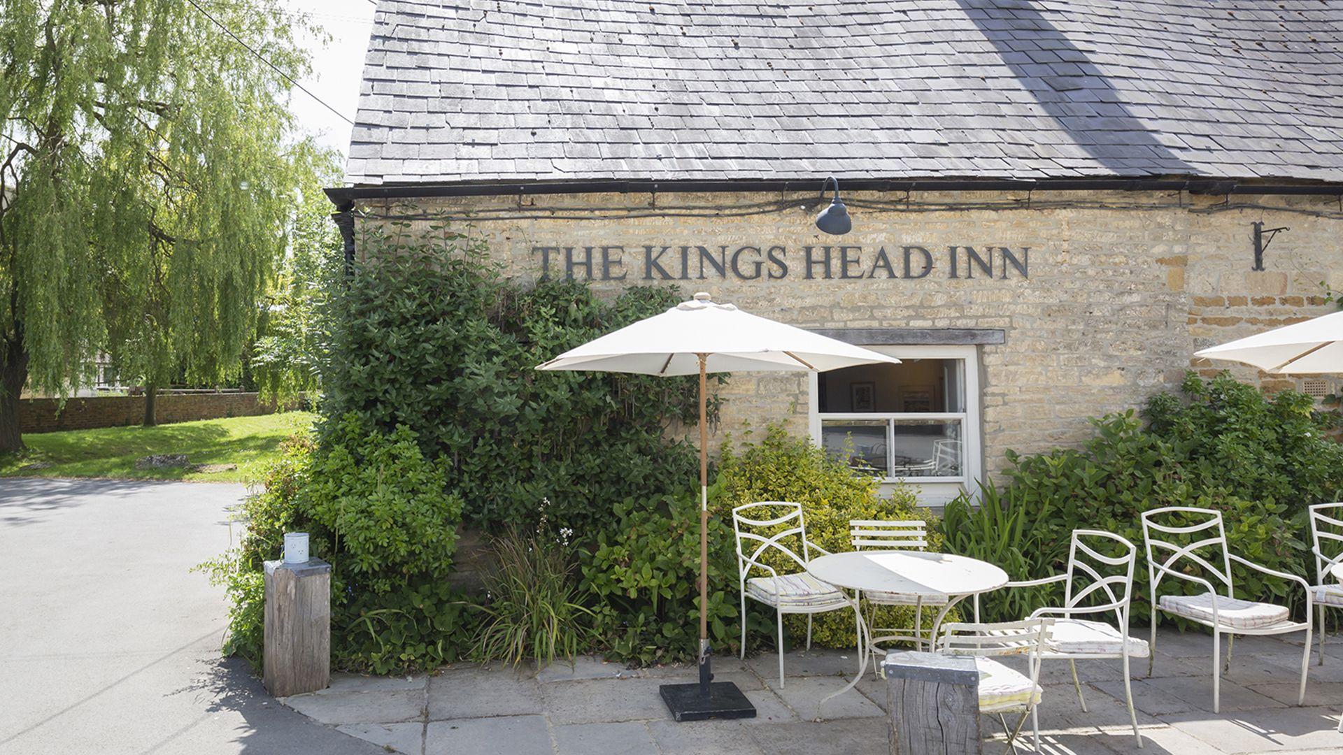 The Kings Head, Pub nearby Five Bells Garden Cottage, Bolthole Retreats