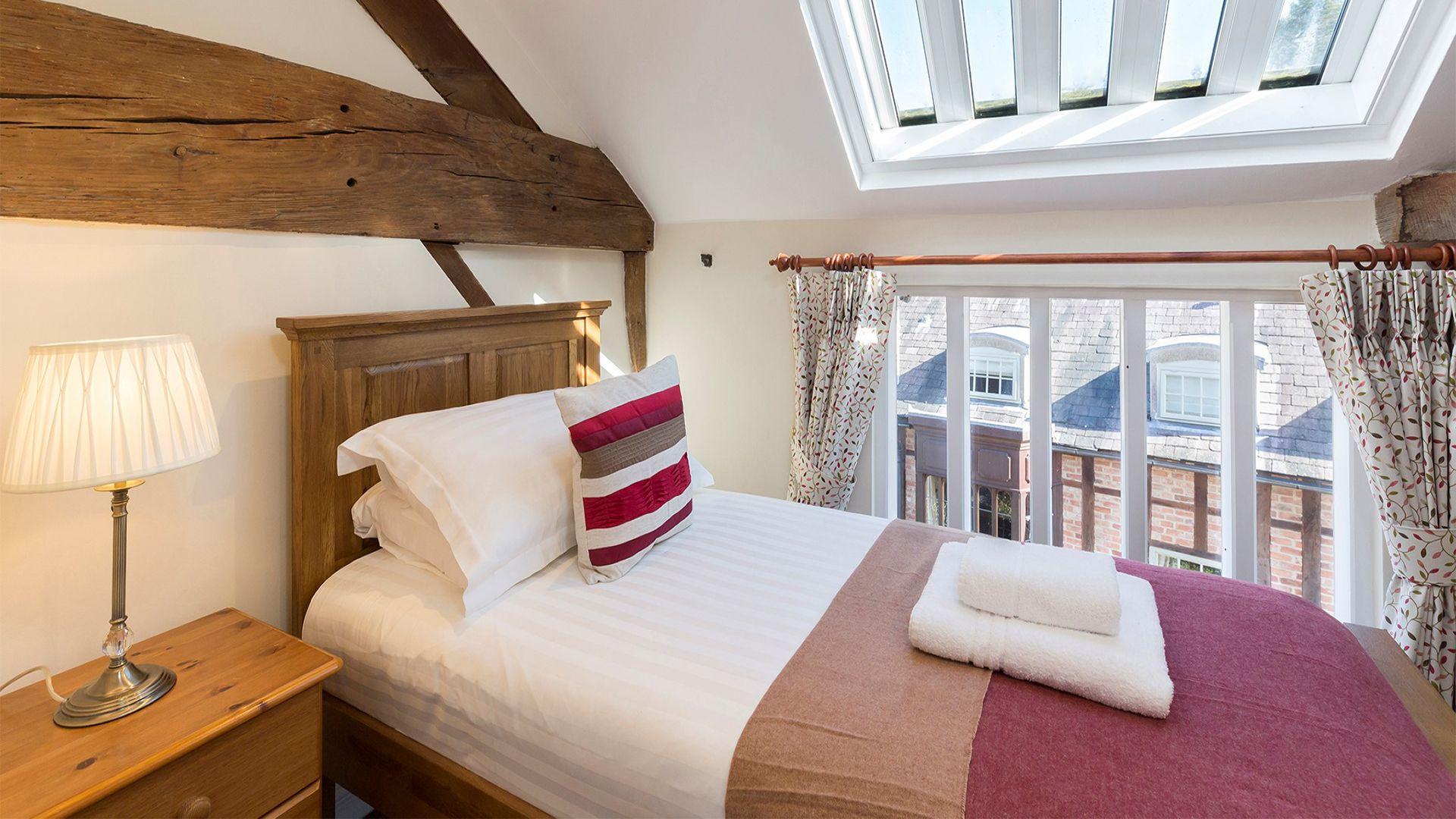 Single bedroom, St Kenelm at Sudeley Castle, Bolthole Retreats
