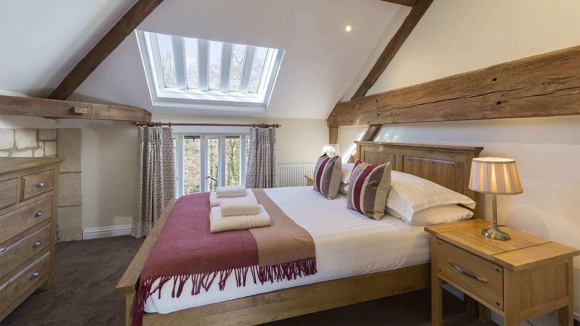 Double bedroom, St Kenelm at Sudeley Castle, Bolthole Retreats