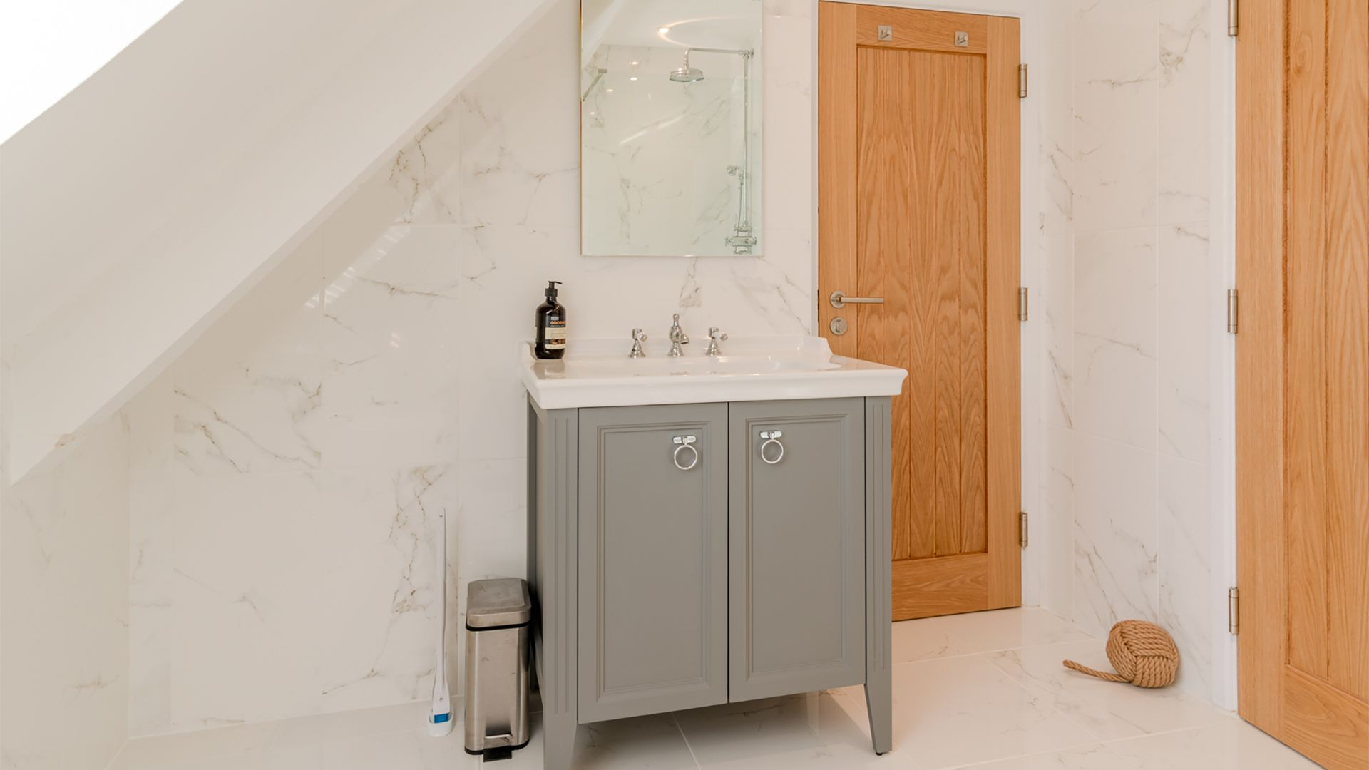 Family shower room, Little Elms, Bolthole Retreats
