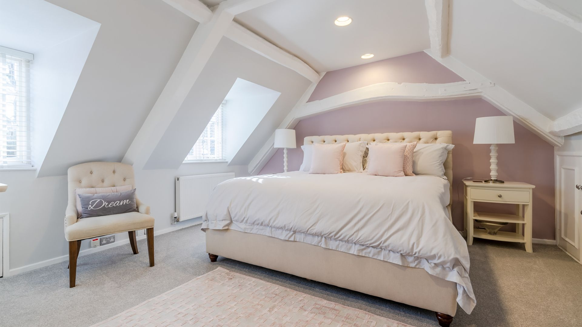 Master bedroom, Little Elms, Bolthole Retreats