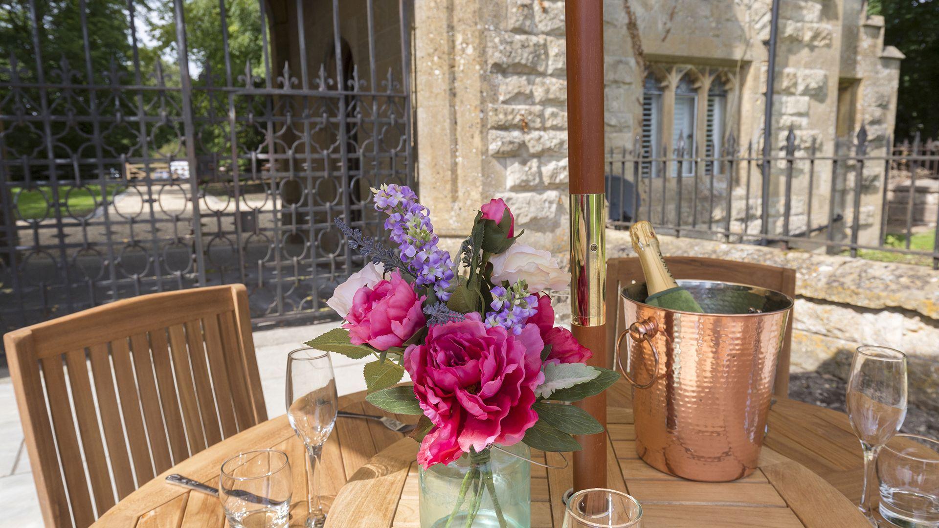 Patio table, Castle Gatehouse at Sudeley Castle, Bolthole Retreats