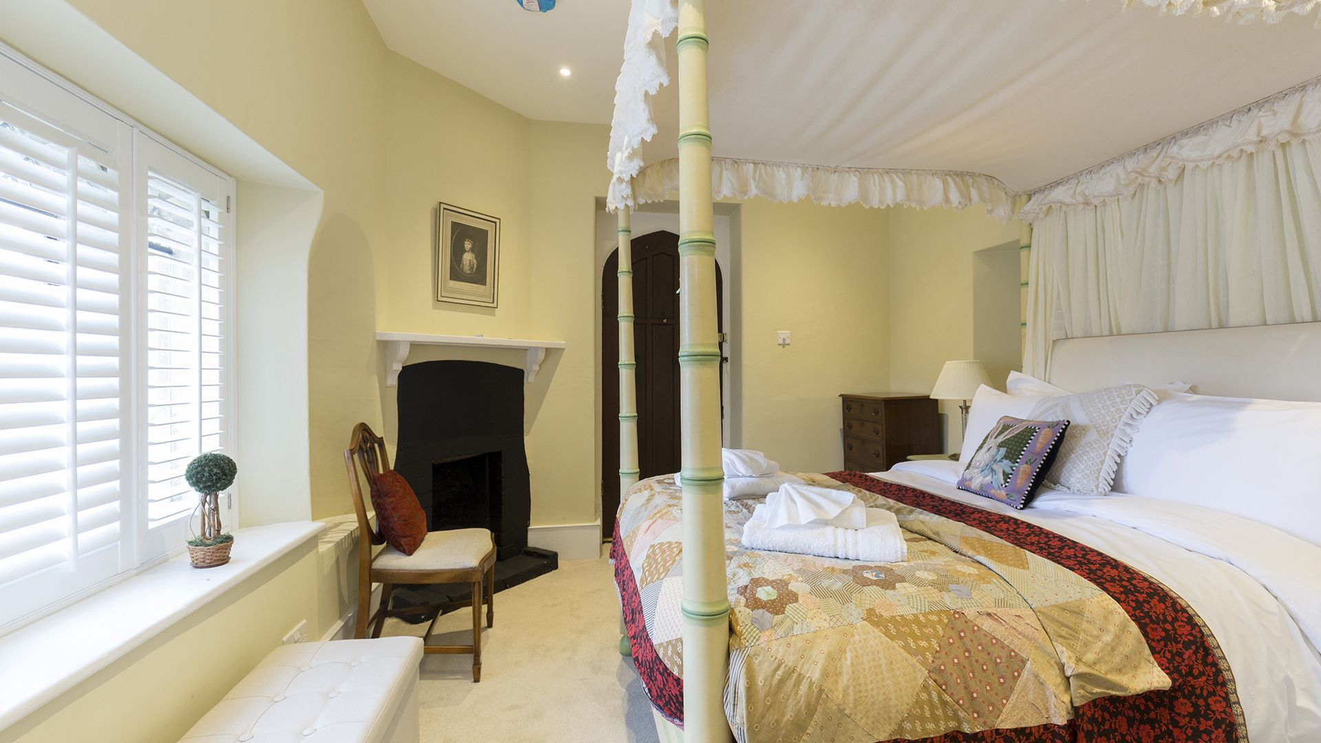Bedroom 1, Castle Gatehouse at Sudeley Castle, Bolthole Retreats