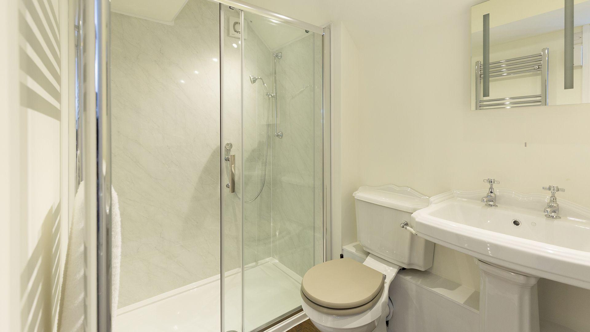 En-suite shower room, Castle Gatehouse at Sudeley Castle, Bolthole Retreats