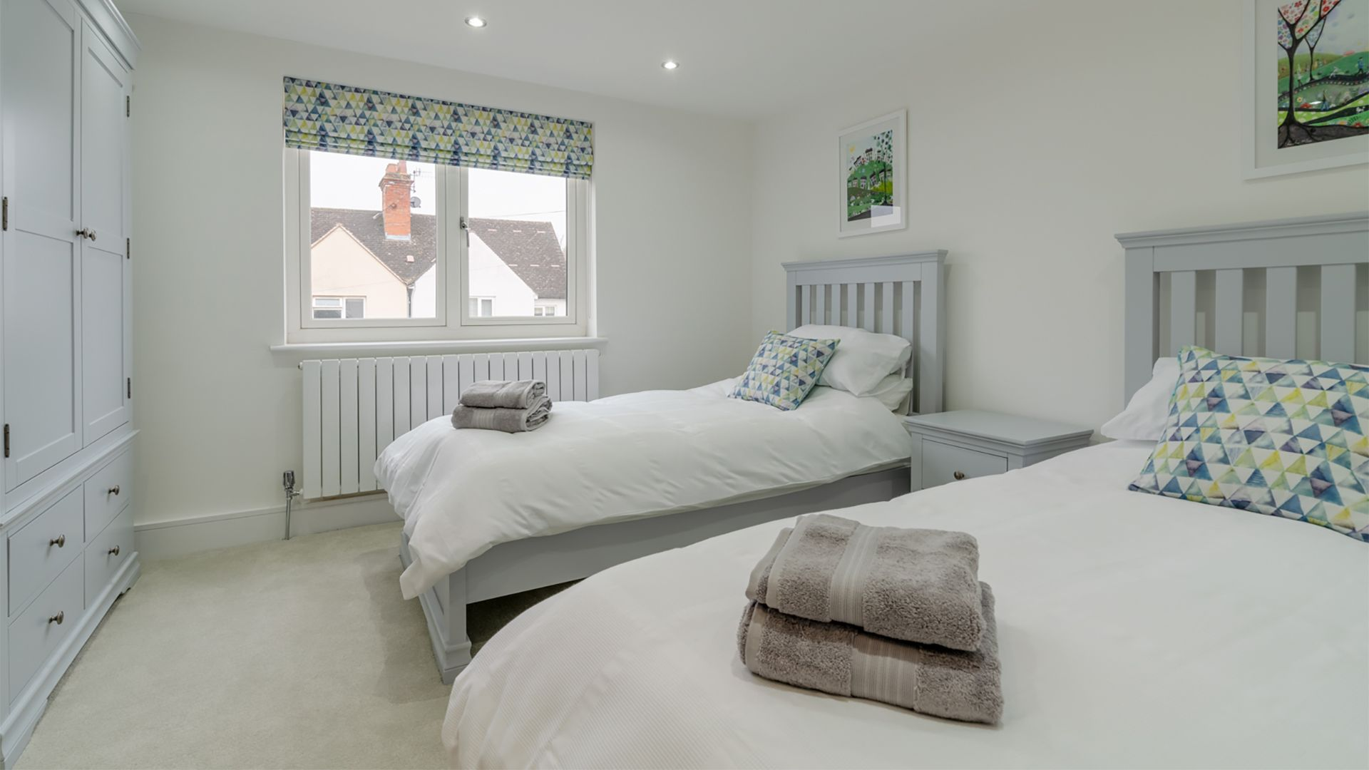 First floor twin bedroom, 33 Percy Street, Bolthole Retreats