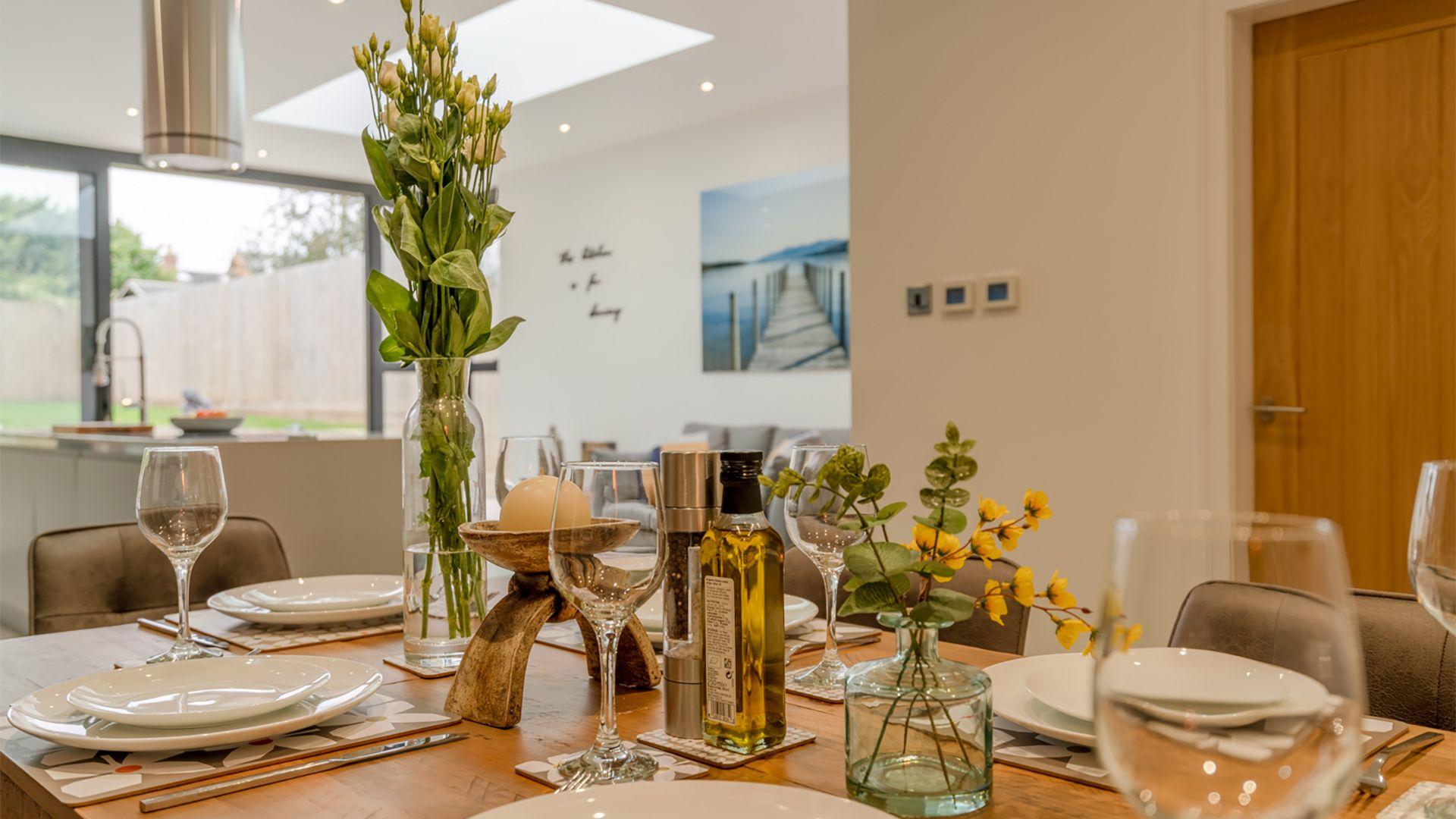 Dining table, 33 Percy Street, Bolthole Retreats