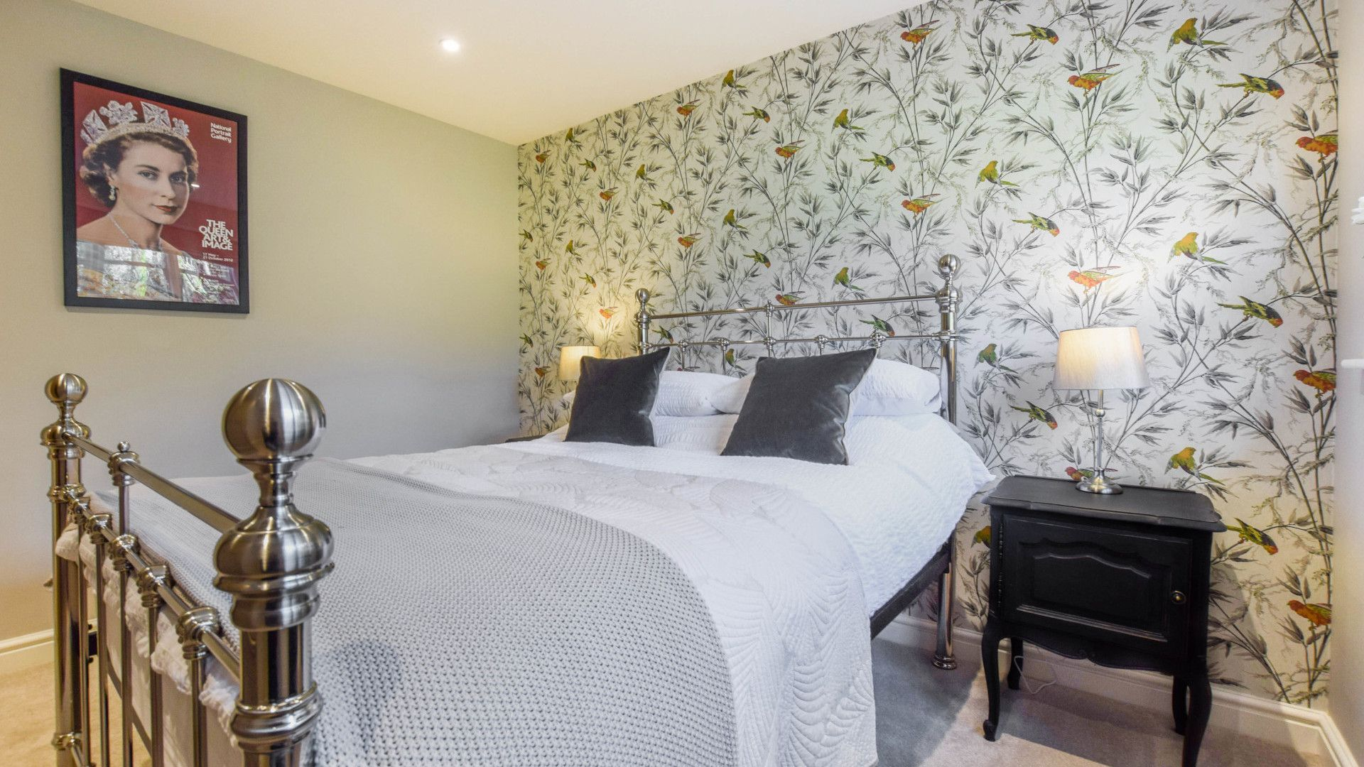 Bedroom 3, Downstairs Double, Lovell Cottage, Bolthole Retreats