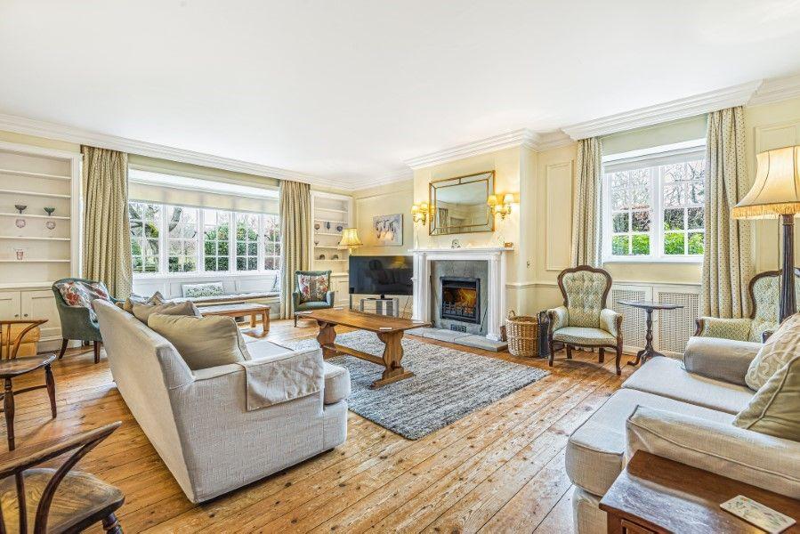 Little Barwick   Living room