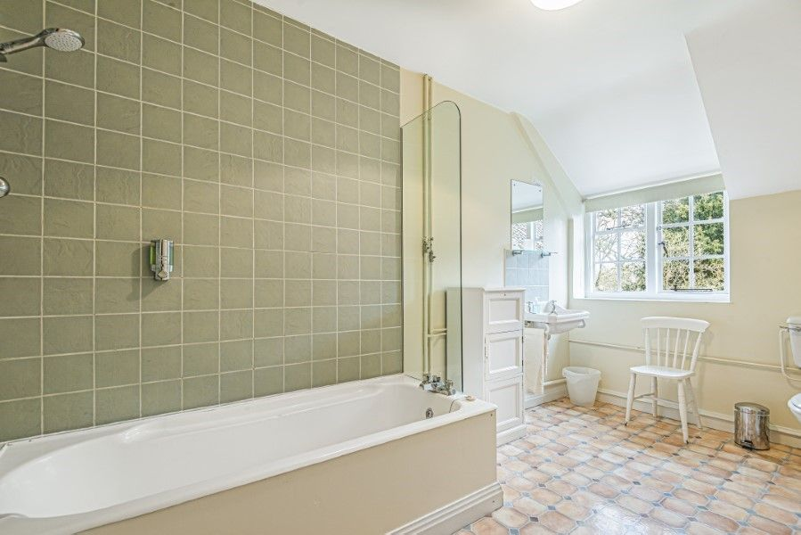 Little Barwick | Bathroom