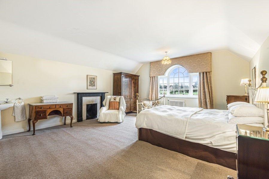 Little Barwick   King-size bedroom