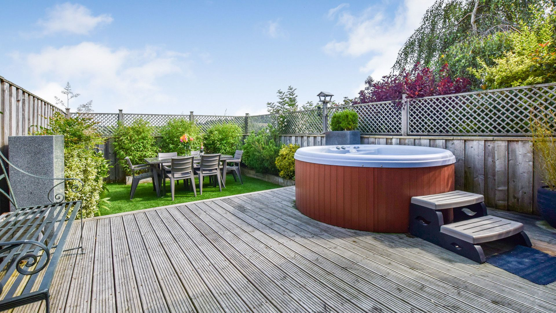 Decking area with hot tub, Meadow View at Avon Farm, Bolthole Retreats