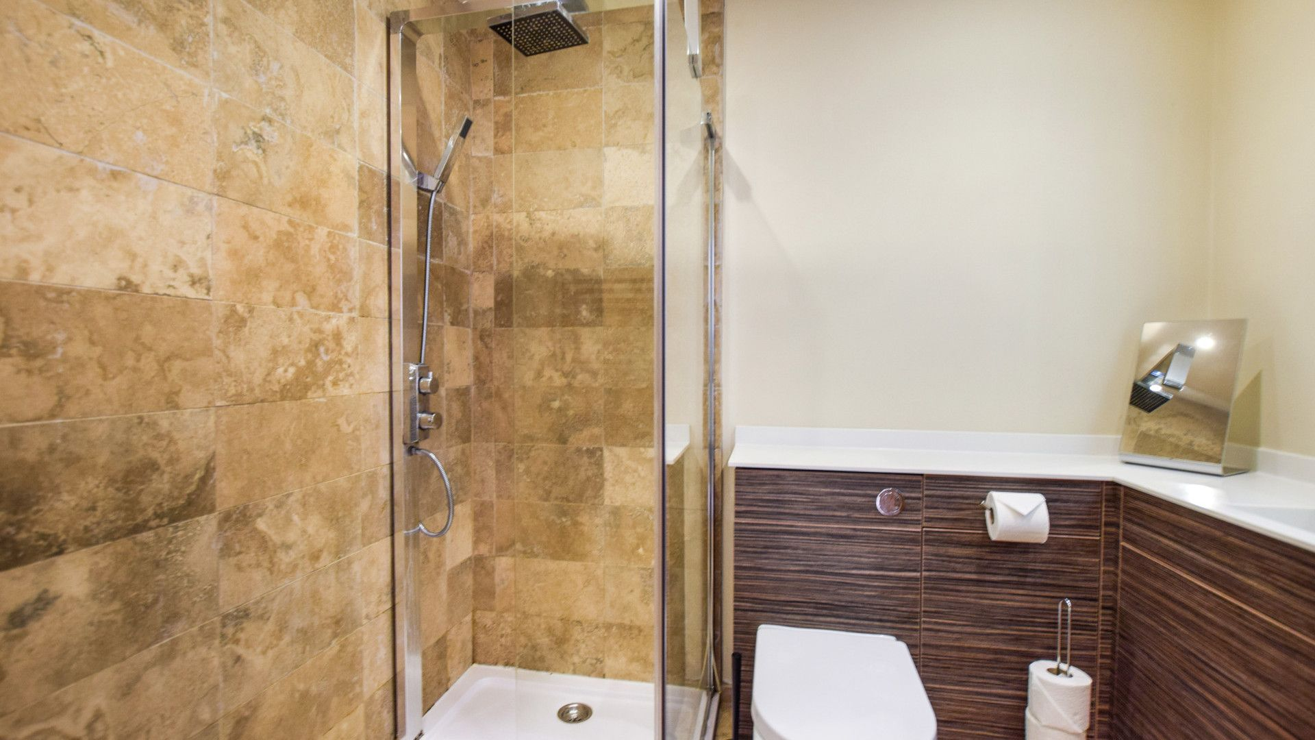 Family bathroom with walk in shower, Meadow View at Avon Farm, Bolthole Retreats