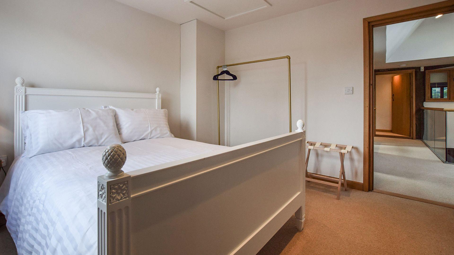 Bedroom 1, double, Mercia House, Bolthole Retreats