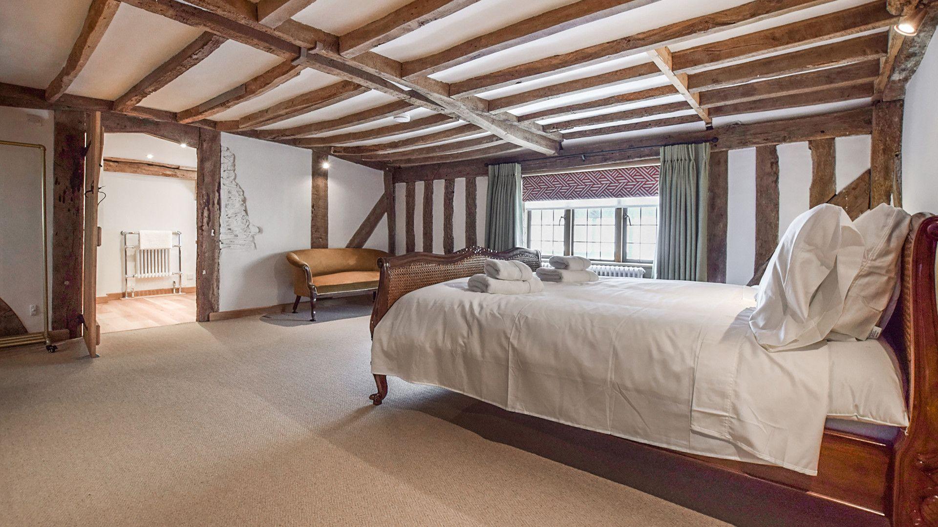 Bedroom 3, super-king, Mercia House, Bolthole Retreats