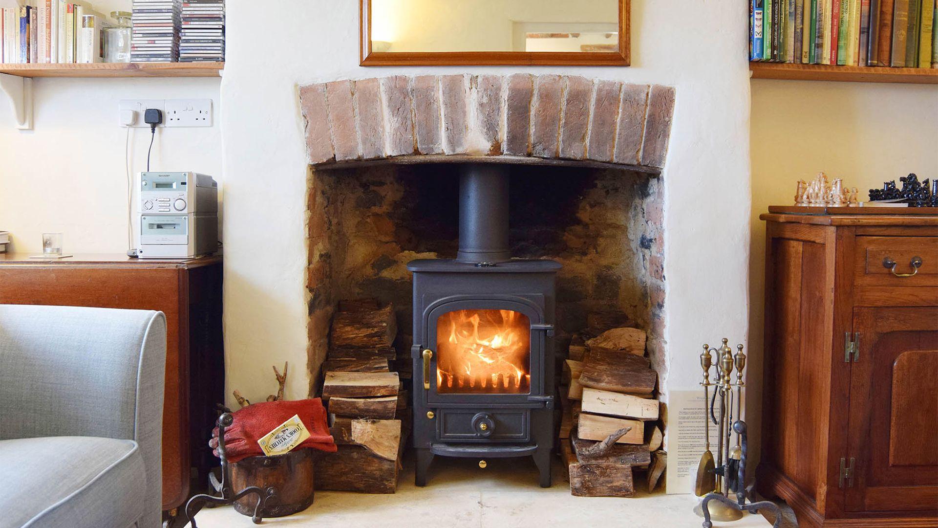 Living room with log burner, Maisey Cottage, Bolthole Retreats